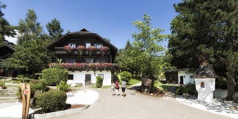 Gemütliche und sonnigen Urlaubszeit im Dorf Schönleitn